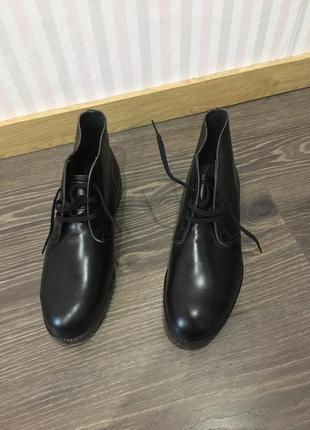 Ботинки кожа на шнуровке подошва резиновая
