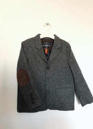 Пиджак до мальчика