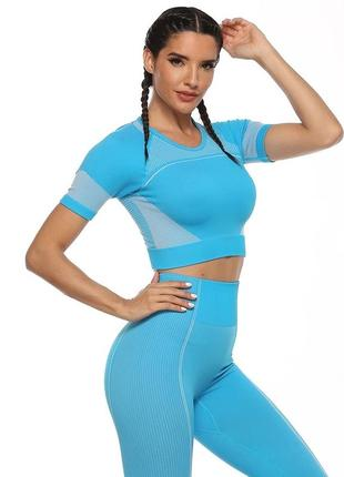 Комплект для фитнеса с укороченной футболкой