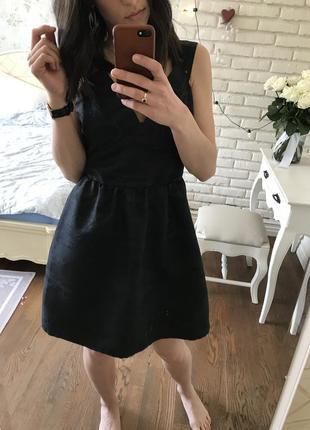 Идеальное новое чёрное платье от h&m.