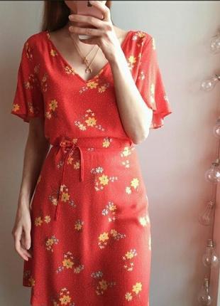 Вискозное алое платье в горошек и цветочный принт