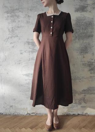 Винтажное льняное платье миди с поясом а-силуэта и квадратным кружевным вырезом