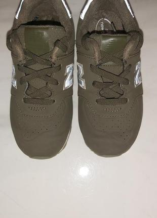 New balance фірмові кросівки