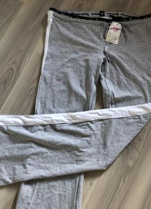 Акция!новые фирменные серые спортивные штанишки кюллоты с лампасами