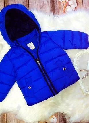 Демисезонная куртка на флисе zara. рост 74-80. на 6-9 мес.