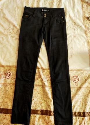 Темно-серые джинсы27-28р.