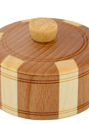 Красивая деревянная солонка