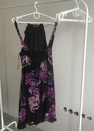 Романтическое платье в актуальном фиолетовом цвете