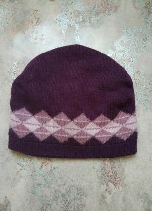 Зимняя фиолетовая шапка