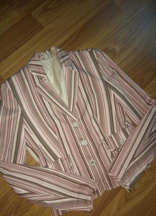 Красивый летний пиджак на подкладке из натуральной ткани