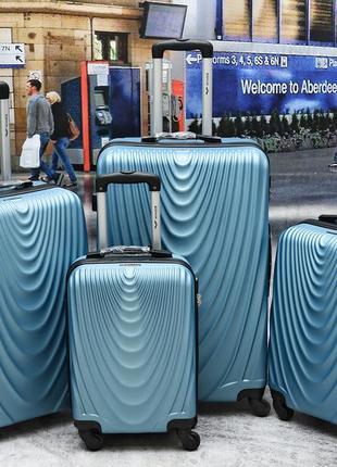 Чемодан противоударный wings 304 польша  silver blue