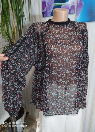 Красивенная блуза с кружевом zara