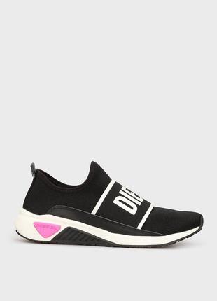 Женские черные кроссовки