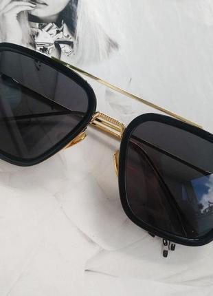 Солнцезащитные очки тони старка черный