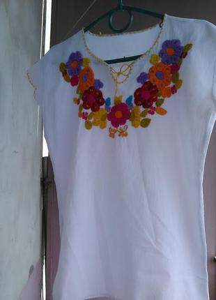 Красивая вышитая блузка/вышиванка