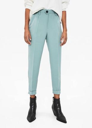 Стильные мятные брюки