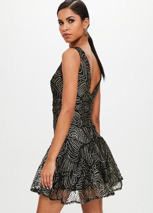 Misguided черное коктейльное платье с золотом