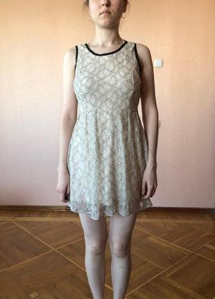 Прелестное  гипюровое платье