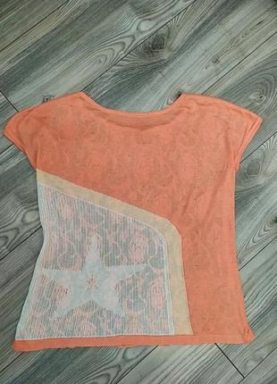 Летняя персиковая футболка