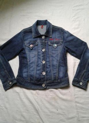 Джинсовая куртка на 10 -12 лет