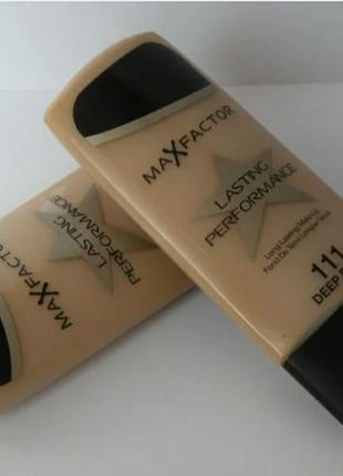 Тональный max factor lasting performance 111