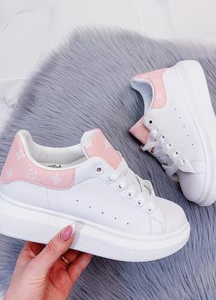 Новые белые женские кеды кроссовки с розовой пяткой с розовым задником