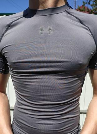 Компрессионная термо футболка under armour