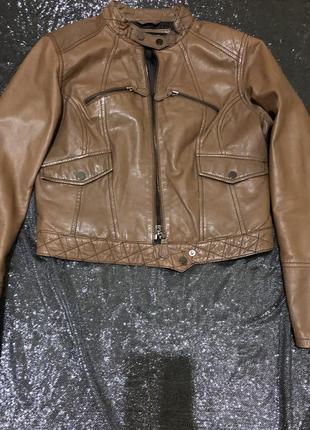Кожаная куртка, косуха укорочённая