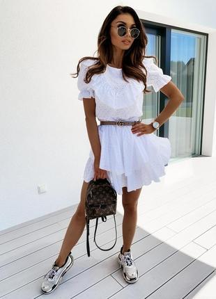 Красивое летнее белое платье