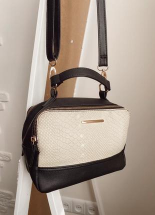 Сумка на ремешке, сумочка через плечо с длинной ручкой, маленькая сумочка