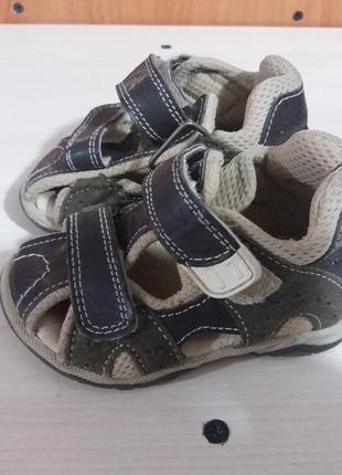 Босоножки,сандалии на мальчика.