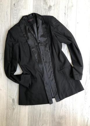 Стильный длинный чёрный пиджак