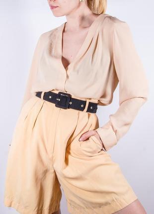 Женская бежевая классическая блузка