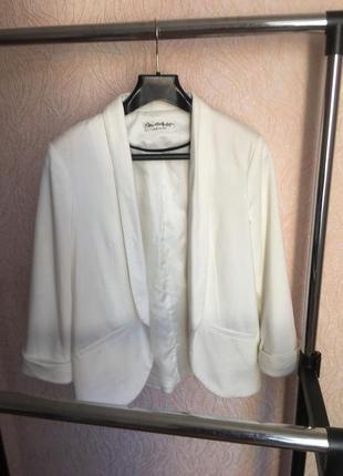 Пиджак белый свободный!