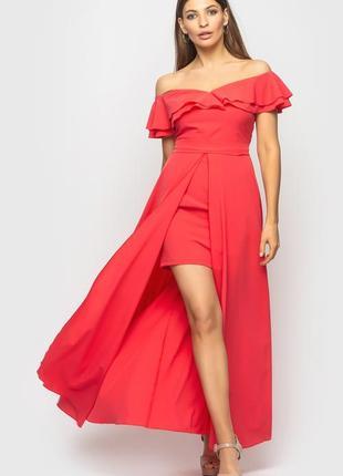 Нарядное длинное коралловое платье с шлейфом