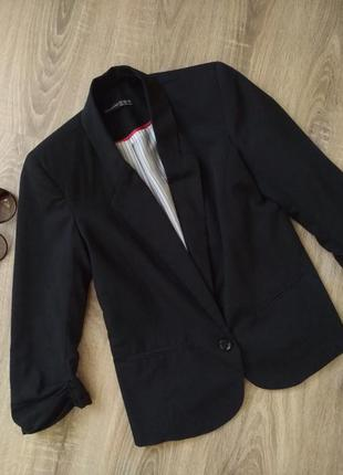 Базовый чёрный пиджак