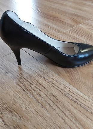 Шкіряні класичні туфлі