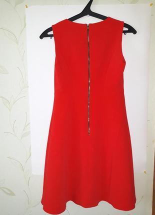 Ярко красное платье от f&f на молнии