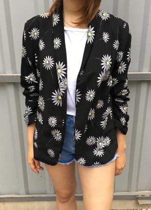 Пиджак в цветочный принт m&co