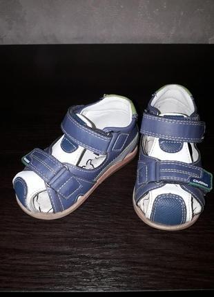 Босоножки. сандали