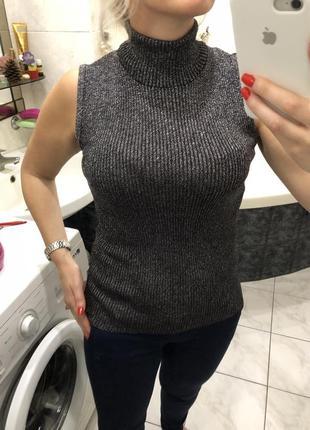 Гольф водолазка блуза с люрексом в рубчик без рукавов  , olsen collection , оригинал
