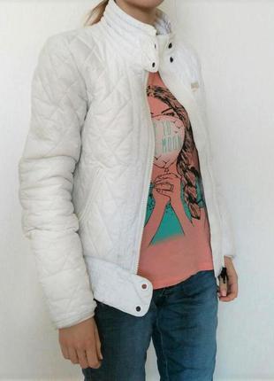 Белая куртка nike xs-s