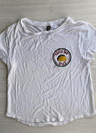 Базовая футболка топ  с принтом
