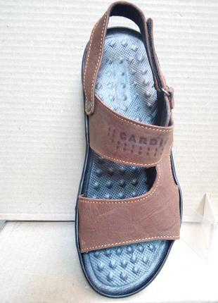 Кожаные сандалии босоножки