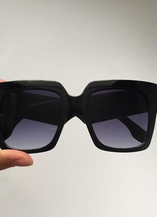 Женские слнцезащитные очки в стиле fendi2 фото