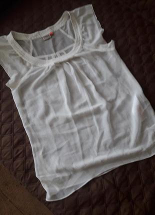 Нежная блуза с кокеткой цвета айвори