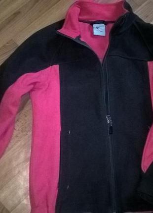 Спортивная флисовая курточка