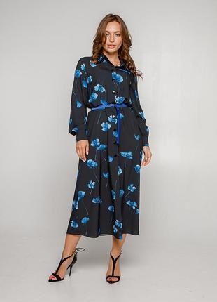 Платье-рубашка синего цвета с крупными цветами