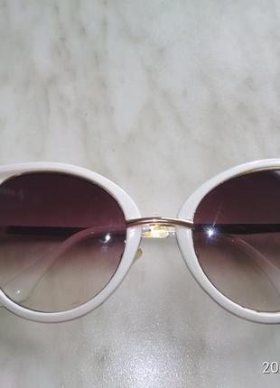 Оригінальні солнцезахисні окуляри