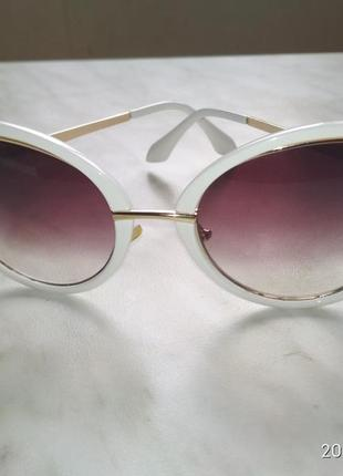 Оригінальні солнцезахисні окуляри3 фото